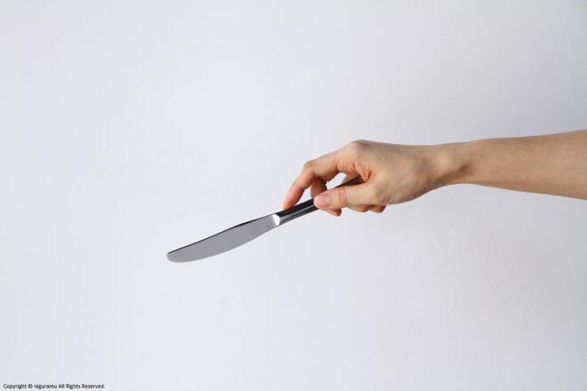 """Compare the size of the """"Deco, Knife"""" and the hand."""