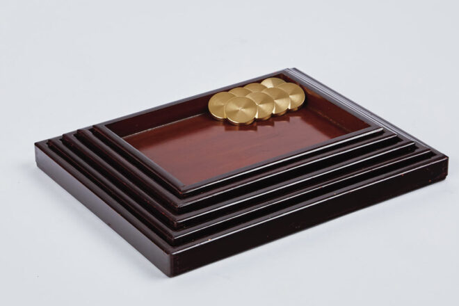 「Urushi Layered Trays 001」金具を外してコンパクトに収納